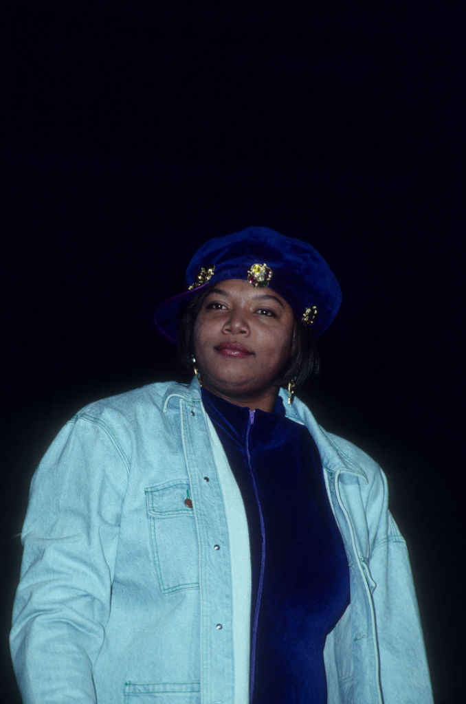 QUEENS LATIFAH DURING A PERFORMANCE AT MADISON SQUARE GARDEN, 1992