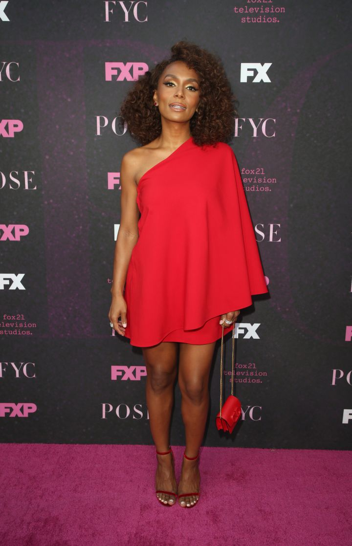 Red Carpet Event For Pose