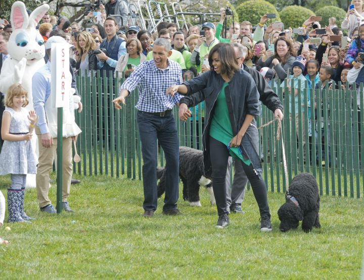 The Obamas And Dem Dogs