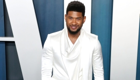 Usher arrives at the 2020 Vanity Fair Oscar Party held at the Wallis Annenberg Center for the Perfor...