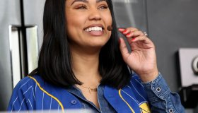 Ayesha Curry smiles as fans cheer during her cooking demonstration at the BottleRock Napa Valley music festival in Napa, Calif., on Friday, May 26, 2017. (Anda Chu/Bay Area News Group)