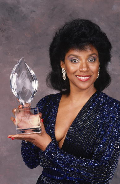 PHYLICIA RASHAD AT THE PEOPLE'S CHOICE AWARDS, 1989