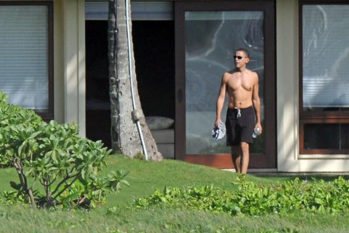Celebrity Sightings In Kailua - December 21, 2008