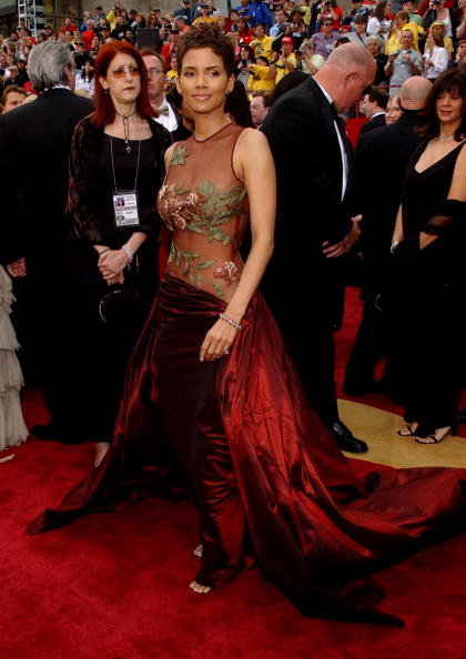 HALLE BERRY AT THE 74TH ANNUAL ACADEMY AWARDS, 2002