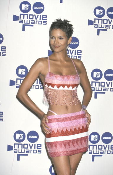 HALLE BERRY AT THE 9TH ANNUAL MTV MOVIE AWARDS, 2000
