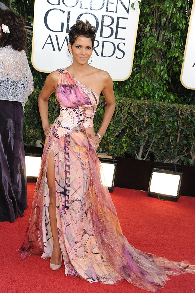 HALLE BERRY AT THE 70TH ANNUAL GOLDEN GLOBE AWARDS, 2013