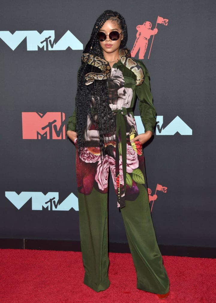 H.E.R. AT THE MTV VIDEO MUSIC AWARDS, 2019