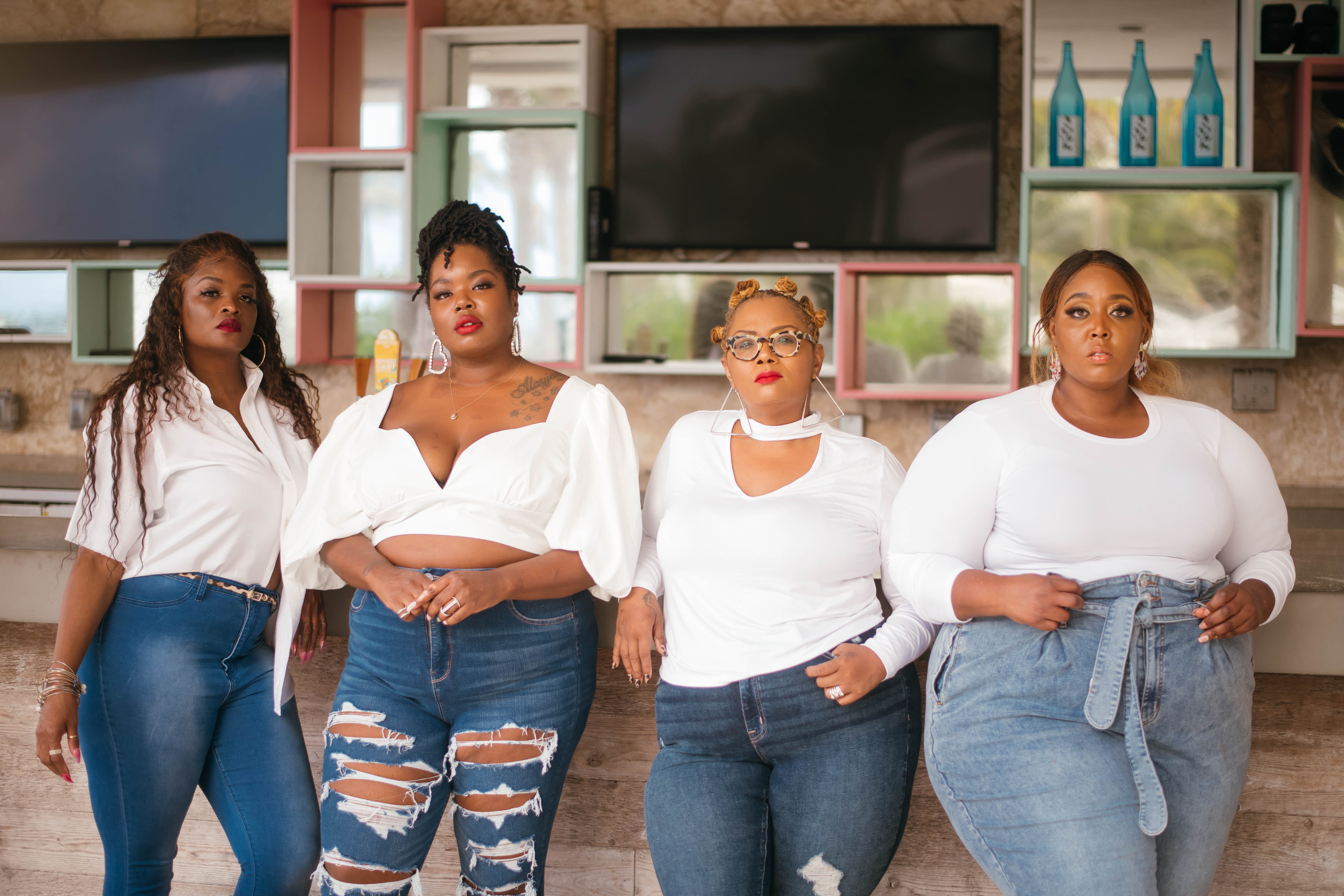 #HelloCurvy: Four Plus-Size Influencers Share Their Favorite Fall Jeans