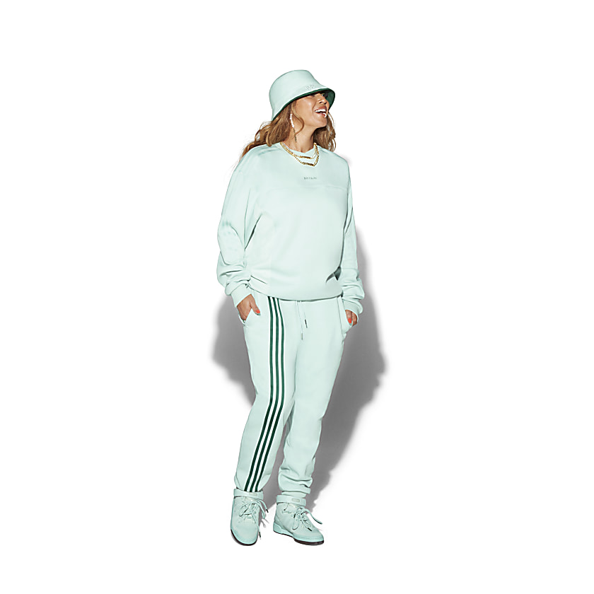 Ivy Park LONG SLEEVE CREWNECK SWEATSHIRT & 3-STRIPES JOGGER PANTS
