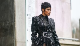 Street Style - Paris Fashion Week - Womenswear Fall/Winter 2020/2021 : Day Three