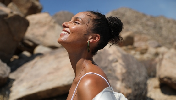 Alicia Keys Aims To Reawaken The Feminine Power In All Of Us Through Her 21 Day Meditation Experience