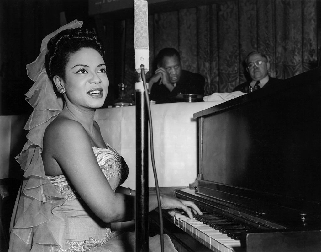 Hazel Scott Singing at Mulzac Dinner