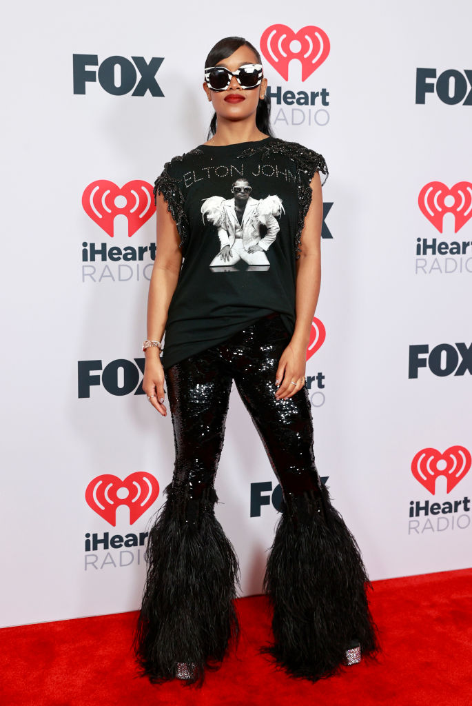 H.E.R. at the 2021 iHeartRadio Music Awards