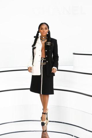 Chanel : Photocall - Paris Fashion Week Womenswear Fall/Winter 2020/2021