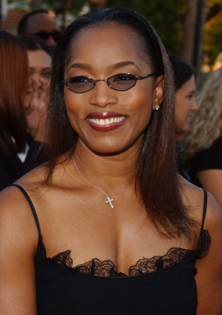 Angela Bassett at the premiere of 'The Score', 2001