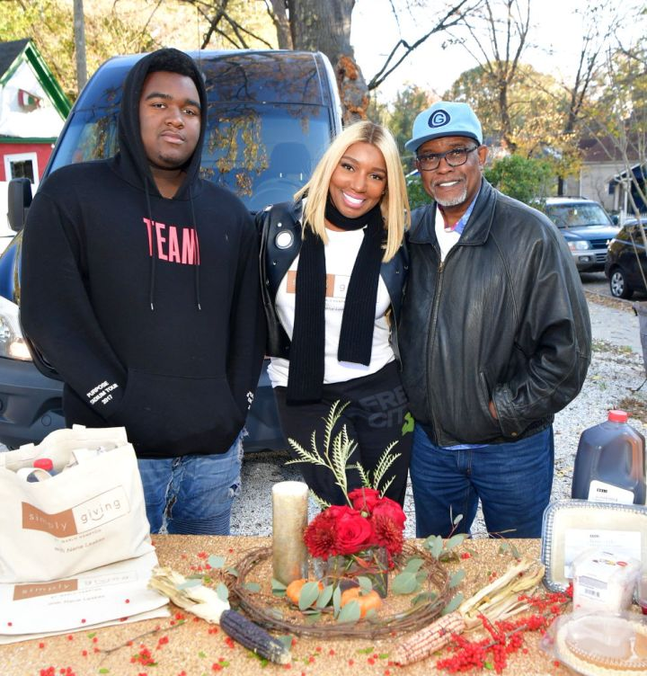 NeNe, Gregg and Brentt Leakes at the Thanksgiving Meal Giveaway